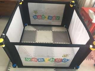 VeeBee Playpen 4 sided with hexagon mat