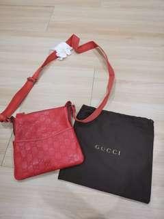 [BN] Gucci red monogram crossbody