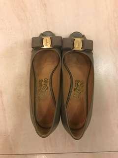 🚚 Ferragamo Heels