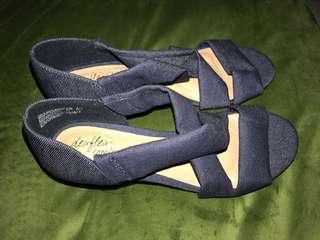 Blue, open-toed wedge
