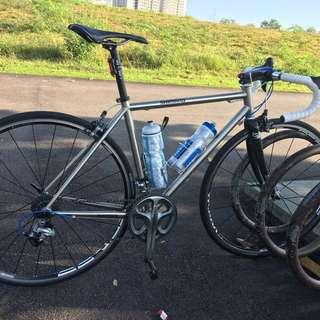 Featuring 1.75kg Double Butted Chromoly Frame Imported From Taiwan, or trade with Merida disc or cyclocross