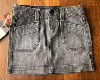 [WITH SHIPPING/CLEARANCE] Levis Grey Denim Skirt
