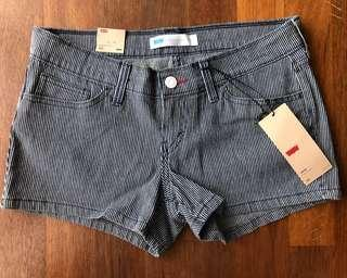 [WITH SHIPPING/CLEARANCE] Levis Stripe Shortie Short