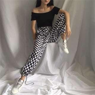 🚚 Checkered jogger pants