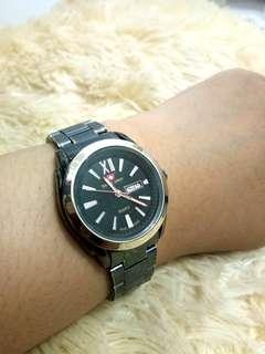 #LetGoCarousell swiss army black chain