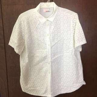 Bench eyelet buttondown