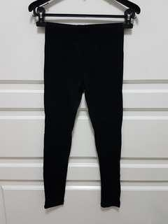 Uniqlo black legging size M