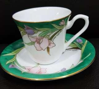 Tea cup, saucer and cake plate #singles1111