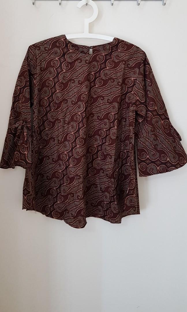 bbb6318c1d Batik couple blouse n shirt, Women's Fashion, Clothes, Tops on Carousell