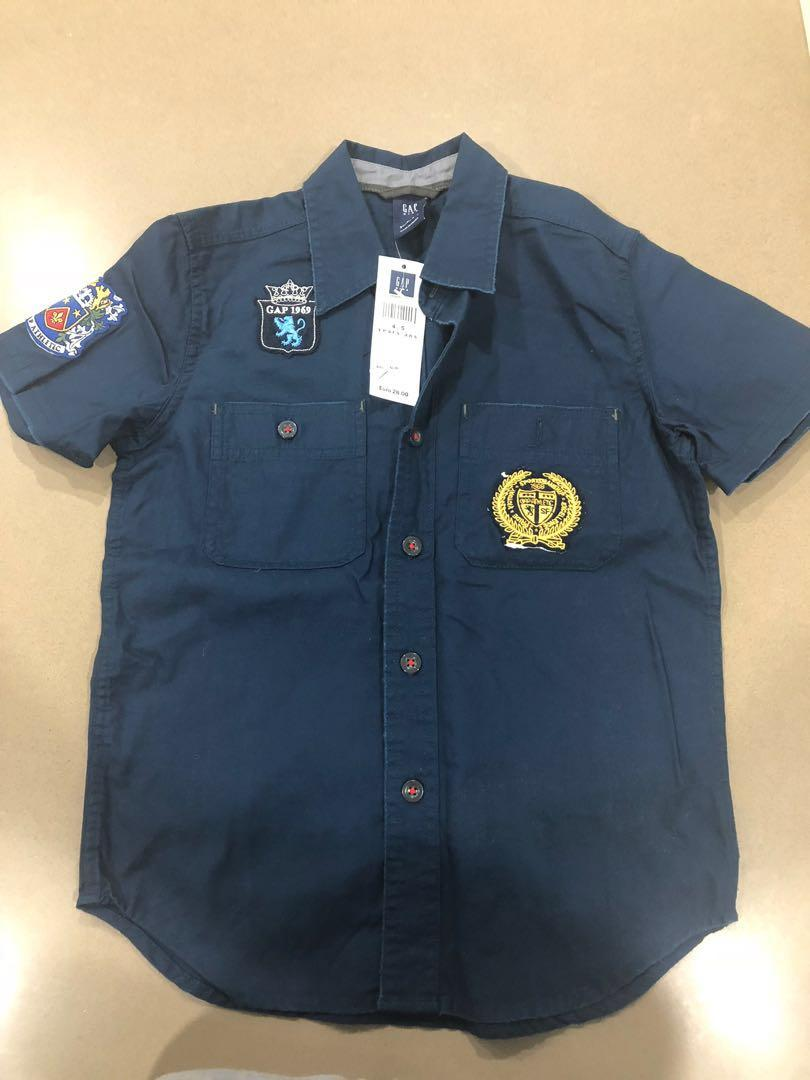 GAP short sleeve shirt. Brand New with Tags. Size 4-5
