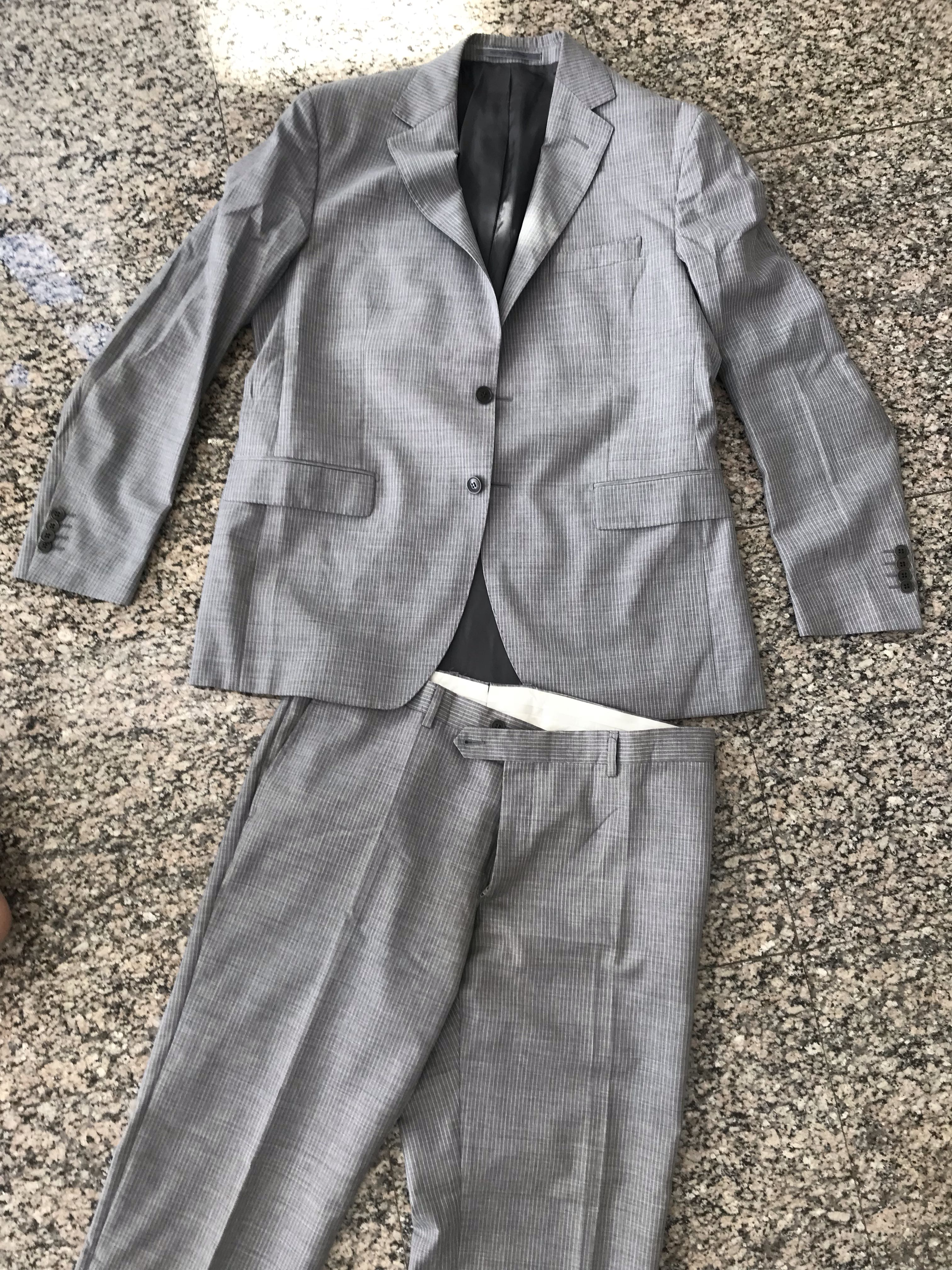 95eabec18435f Men clothes , Men's Fashion, Clothes, Others on Carousell