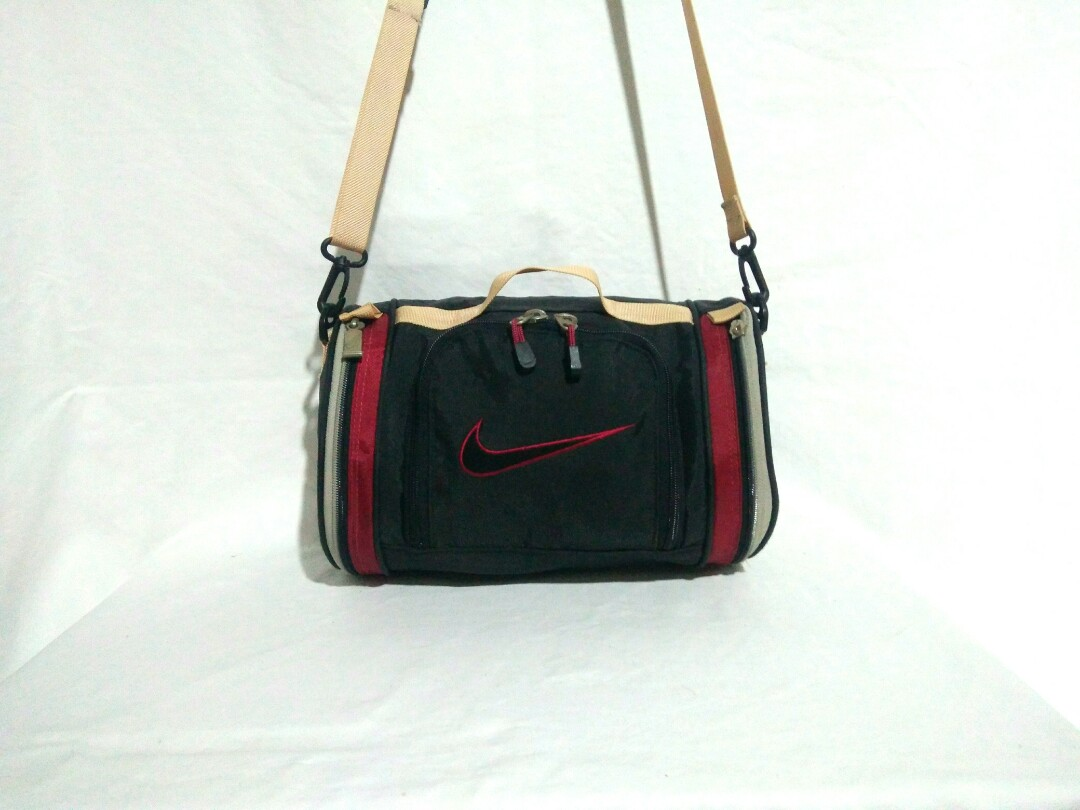 7b022bdd9e Nike Duffle Bag