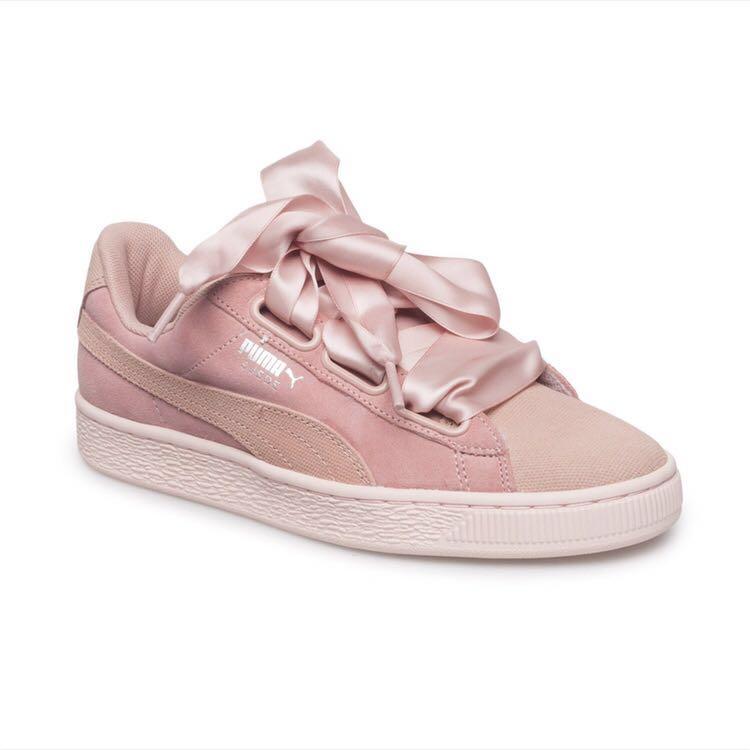 meilleure sélection e5ed9 883f7 Puma Suede Heart Pebble Basket, Women's Fashion, Shoes ...