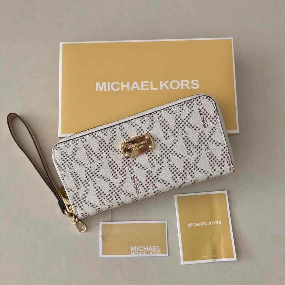 9fdfaced8af7 Sale!! Brandnew Authentic Quality Michael Kors Wallet