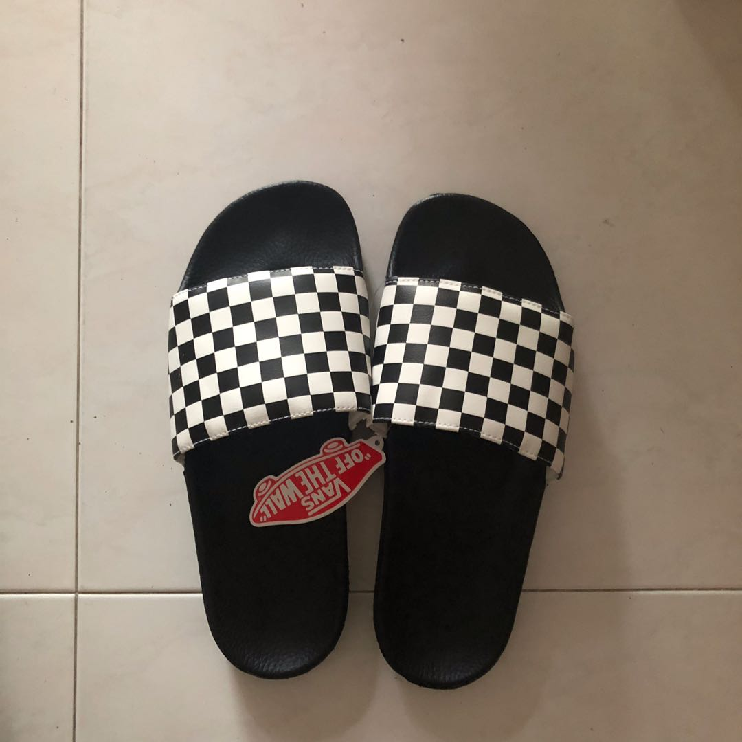 38b01fe62 Vans checkered slides, Men's Fashion, Footwear, Slippers & Sandals ...