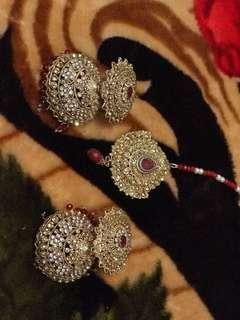 Earrings with head tikka set