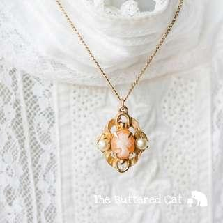 Dainty vintage gold tone carved cameo pendant necklace with faux pearls