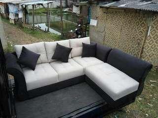 Sofa l ruang tamu