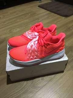 Kyrie low ep粉