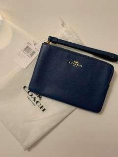 (Brand new) Coach wristlet - blue