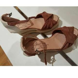 NEW - GAIMO WEDGES SHOES