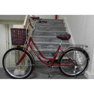 Excellent like new condition lady bike bicycle with 6 speed Shimano gears
