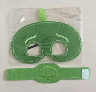 $3 gekko mask and wristband