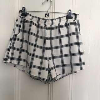 Black and white shorts size 8-10