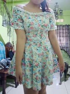 Flower Off-shoulder dress