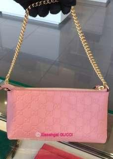 🌞AUCTION (Retail $1800+)▶️EXCLUSIVE to my FOLLOWERS!🌞❌Non Followers❌👜AUTHENTIC BRAND NEW+🌟RECEIPT🌟👜GUCCI Baby Pink Wrislet/ Porchette Bag Wallet (Money, 6 card slots, hp, keys)💋No Pet No Smoker CLEAN hse💋