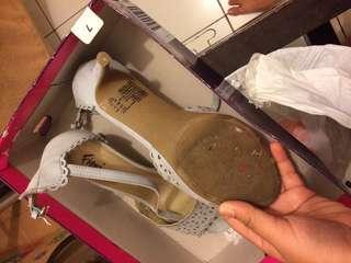 Sepatu wanita heels Fioni
