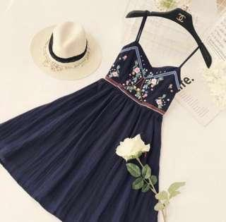 🌷(IN STOCK) Lana Embroidery Babydoll Dress Navy