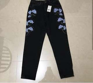 BNWT Topshop Embroidered Mom Jeans