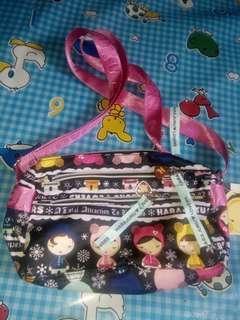 Harajuku sling bag