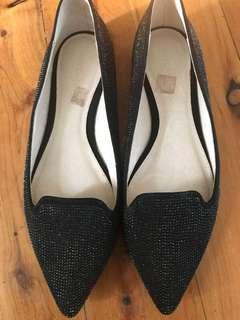 Women's witchery formal black pointed flats size 38 RRP$129