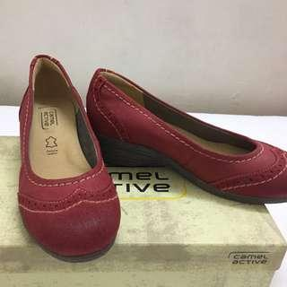 Woman Clarks Shoes (NEW)