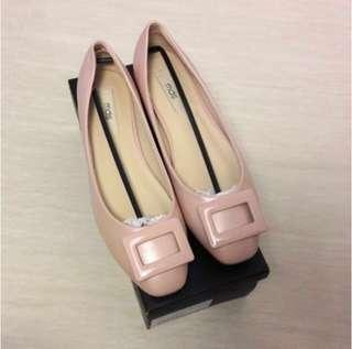 #single11 MDS flat in pastel pink 40