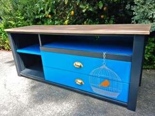 Sideboard / cabinet / entertainment unit