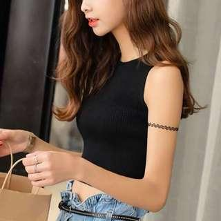 Knitted Black crop Top