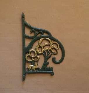 🆕 Cast metal corner corbel bracket hanger rabbit