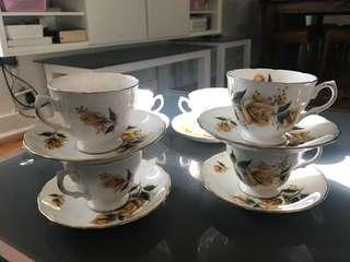 Vintage royal vale Bone China 12 Pce tea cups and saucers set pat no: 8273