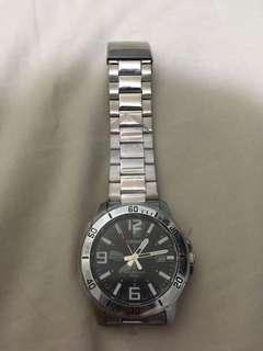 Casio全新鋼帶手表