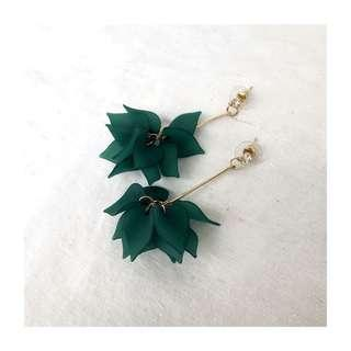 NEW - Green Dangling Earrings