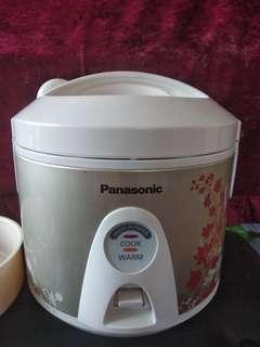 Panasonic 電飯煲 1L  (SR-TEM10)   Panasonic Rice Cooker 1L (SR-TEM10)
