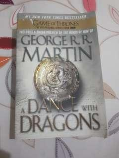 (USED) GEORGE R R MARTIN - A Dance with Dragons