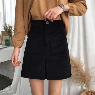 🚚 Black Denim Skirt (Velvet)