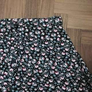 🚚 #single11 hnm floral skirt 🌸