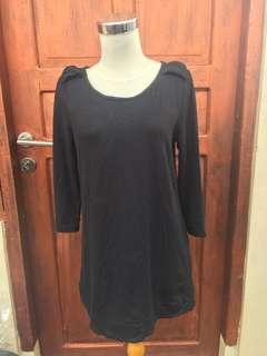 Black long tshirt