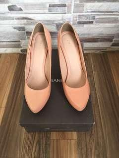 Urban & Co Soft Orange Heels New / Nego