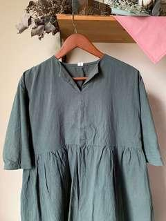 Oversized forest green baby doll blouse w pockets